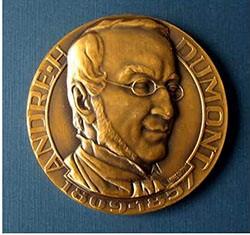 La Médaille André Dumont 2016 de la Geologica Belgica (Société de géologie belge) a été décernée à Frances Westall, responsable de l'équipe « Exobiologie ».